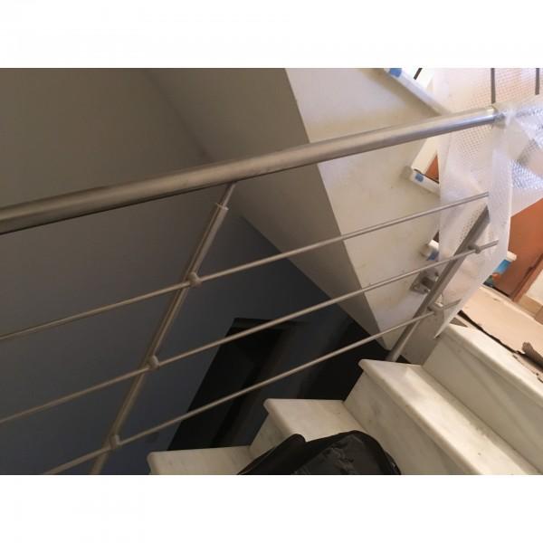 Κάγκελο ανοξείδωτο για σκάλα
